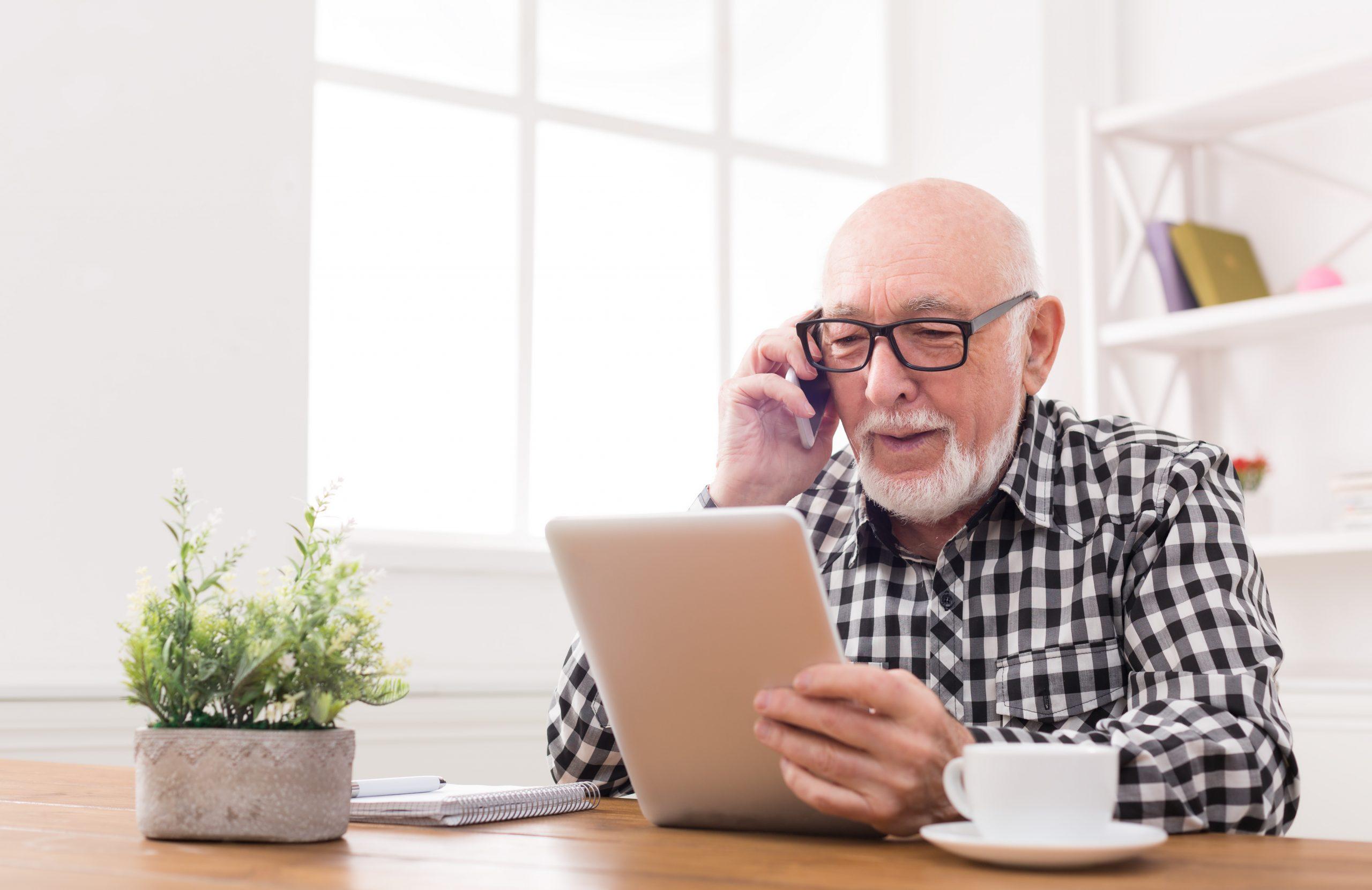 Seniors «branchés»: le high-tech plus que jamais à leur service